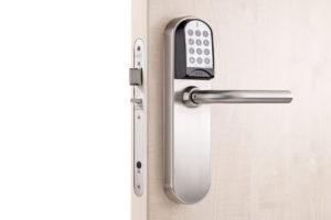 Salto adgangskontrollsystem på en dør