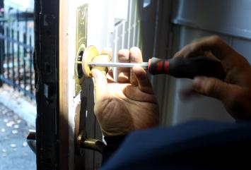 installasjon av lås